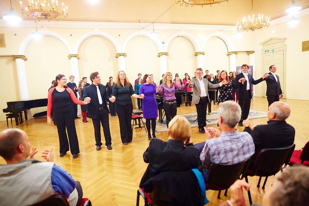 Udeleženci mojstrskega tečaja novembra 2013 Foto: Janez Kotar
