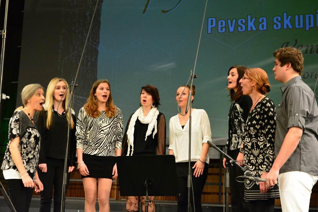 Pevska skupina Concor iz Rožeka, vodi Gerti Schuster Foto: Vincenc Gotthardt