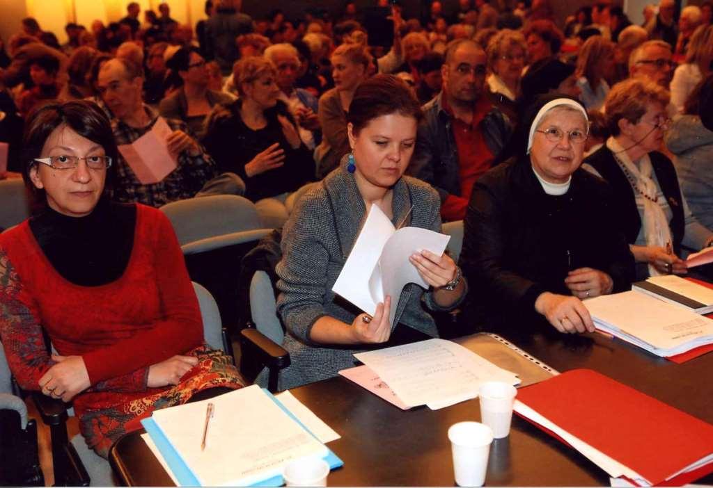 Strokovna komisija (z desne: s. Karmen Koren, Rossana Paliaga, Damijana Čevdek Jug) Foto: Zvonko Vidau