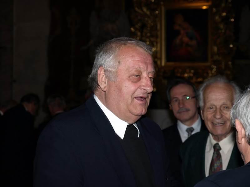 Dolgoletni zborovodja prof. Jože Trošt ob njegovi 70-letnici