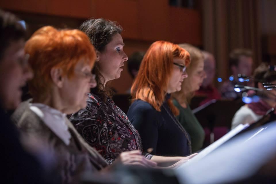Priprave Slovenskega komornega zbora na koncert Vokalnega abonmaja Slovenske filharmonije, december 2014 Foto: Darja Stravs Tisu