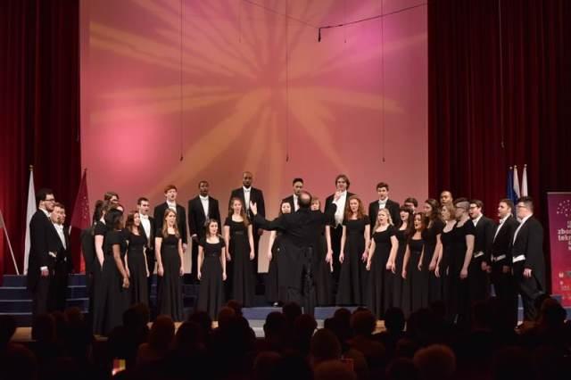 Komorni pevci Univerze Vzhodne Karoline iz Severne Karoline (ZDA) Foto: Janez Eržen