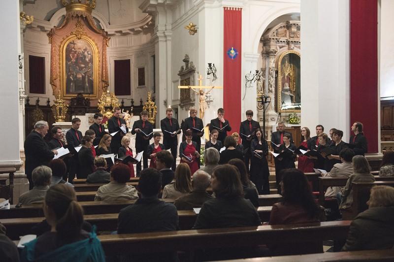 Komorni zbor Ave Foto: Jana Jocif