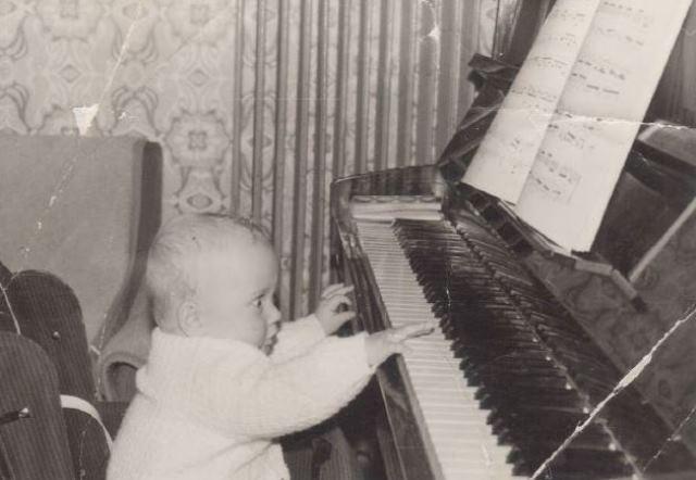 Prve tipke v glasbeni svet ...