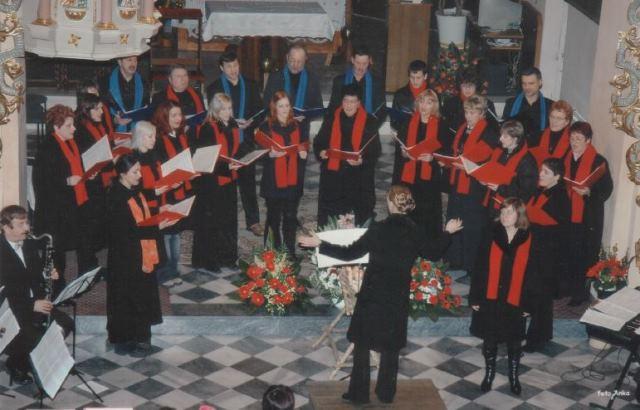 Zbor sv. Mihaela – začetek zborovskega popotovanja Tadeje Vulc, Radlje, božič 2006