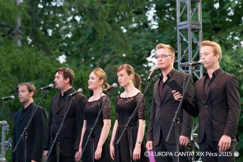 Člani Ingeniuma so 28. julija postali vodilna skupina skupnega petja na glavnem odru. Foto: Europa Cantat