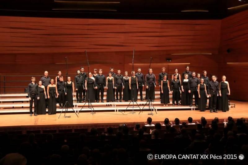 Italijanski državni mladinski zbor vodita Roberta Paraninfo in Gary Graden. Foto: Europa Cantat