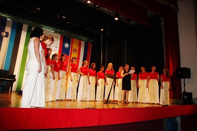 Dekliški zbor Pueri cantores, Tolmin, zborovodkinja Barbara Kovačič Foto: Branka Kljun
