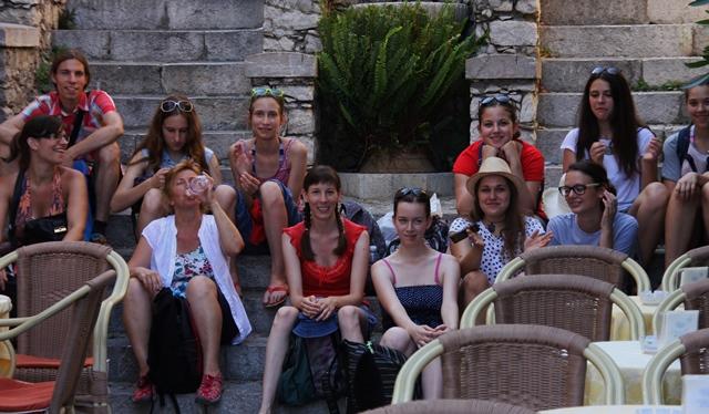 Koprska dekleta na izletu v Taormini Foto: Branka Kljun