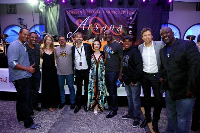 Take 6 in člani slovenskega vokalnega kvarteta Vox Arsana Foto: Arsana