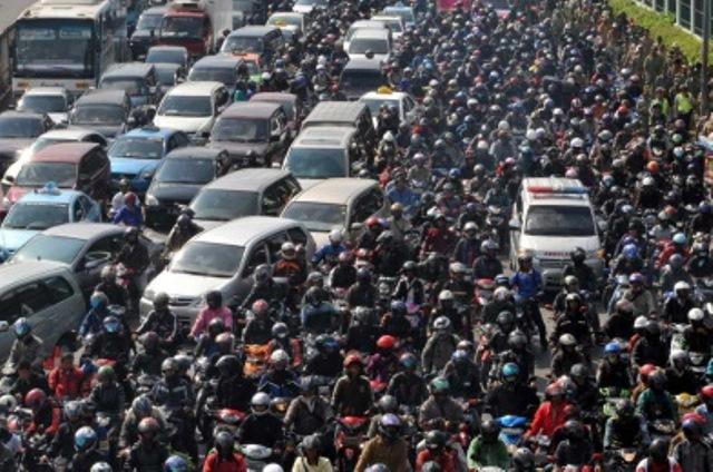 Vsakodnevna prometna konica v Indoneziji