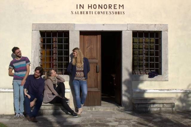 Vokalni kvartet La rosa dei venti – odmor na snemanju prve zgoščenke Foto: osebni arhiv
