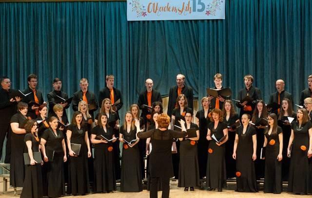 V lanski sezoni je Šaleški akademski pevski zbor obeležil 15. obletnico delovanja. Foto: Ksenija Mikor