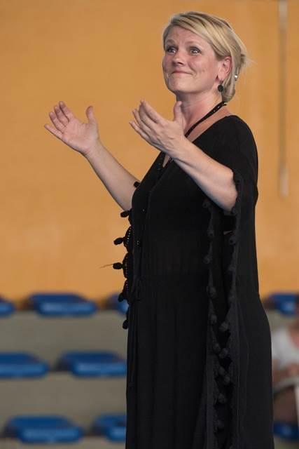 Karmina Šilec, nedavno nagrajena s prestižno gledališko nagrado Zlata maska v Moskvi za predstavo When the Mountain changed its clothing(Ko gora spremeni obleko) Foto: Thierry Wagner
