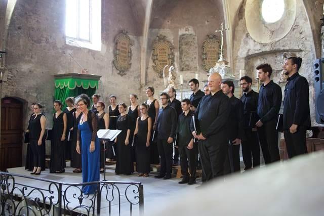 Italijanski mladinski zbor z dirigentko Roberto Paraninfo Foto: Michel Cure