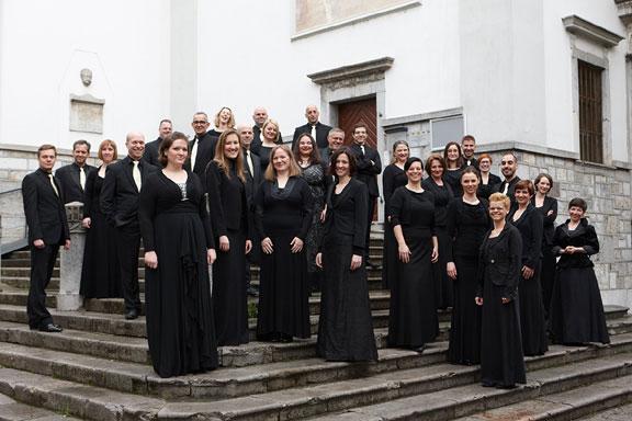 Komorni zbor DEKOR, gostujoči dirigent Sebastjan Vrhovnik Foto: Iztok Ameršek