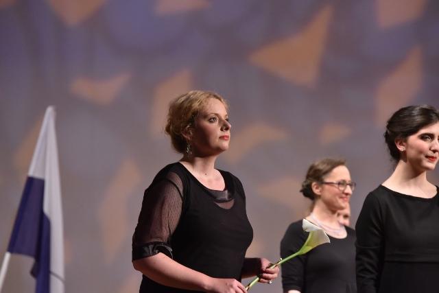 Naša pesem je Čarnicam in Moniki Fele prinesla prvo mesto med ženskimi zbori in tretje v skupni razvrstitvi. Foto: Janez Eržen