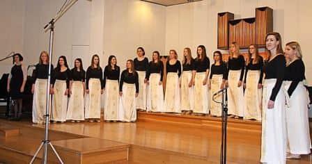 Na regijskem tekmovanju 2015 so dekleta v Postojni osvojila absolutno prvo mesto.