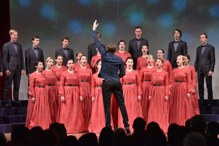 Youth Choir Balsis, Latvija, je za izvedbo obvezne skladbe, Lebičeve Fčelica zleteila, prejel posebno nagrado