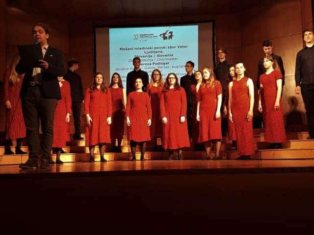 Mešani mladinski zbor Veter Foto: Branka Kljun
