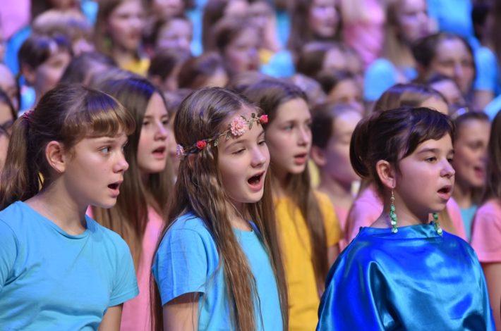 Najboljši slovenski mladinski zbori bodo napolnili Gallusovo dvorano