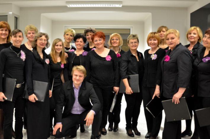Mavričnih 42 let Ženskega pevskega zbora Petrol