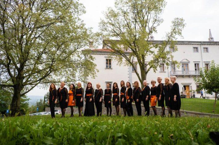 Ob 25. obletnici ženske Vokalne skupine Vinika iz Goriških Brd